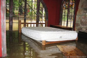Indoor flood cleanup in Mt. Sterling, IL by ServiceMaster Cleaning and Restoration