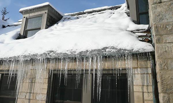 Ice Dam Heavy Snow Roof