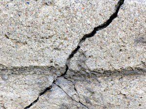 basement foundation crack