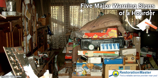 Five Major Warning Signs Of A Hoarder