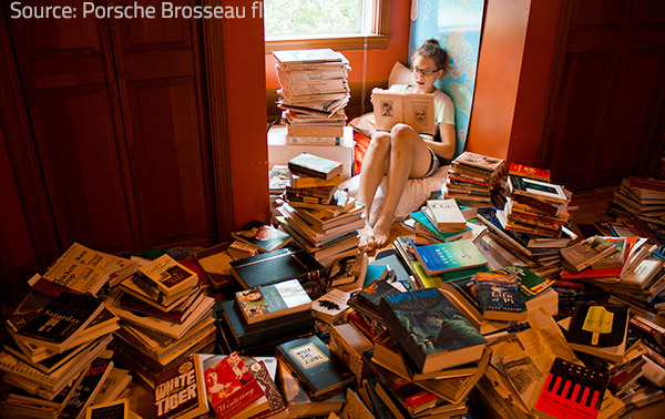 Neatly arranged reading materials create the best reading environment.