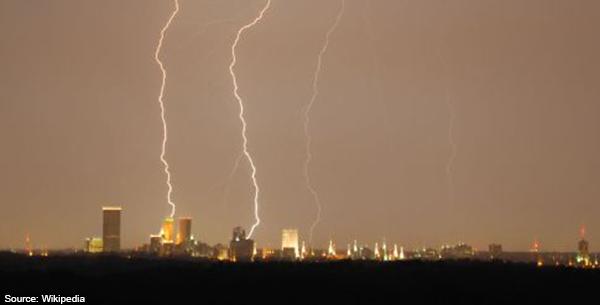 Lightning_over_Tulsa
