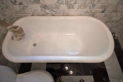 Cleaning And Maintenance Tips For Newly Refinished Bathtubs