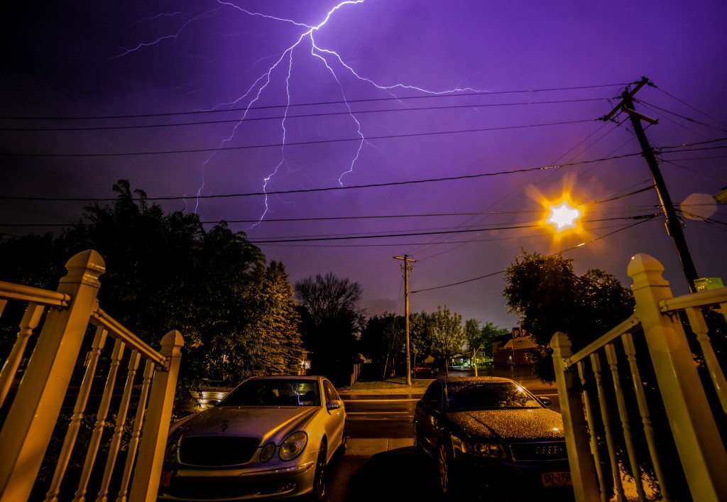 lightning strikes near homes in Buffalo, NY