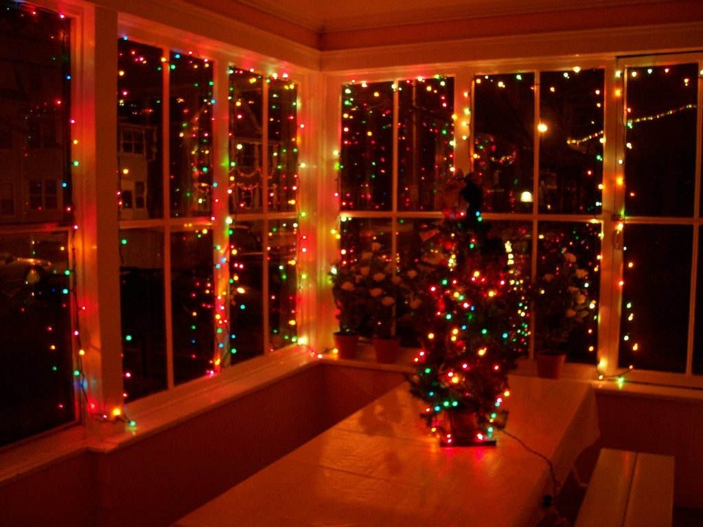 red_holiday_lights_on_glass_windows_by_caspercrafts-d4y8nmm