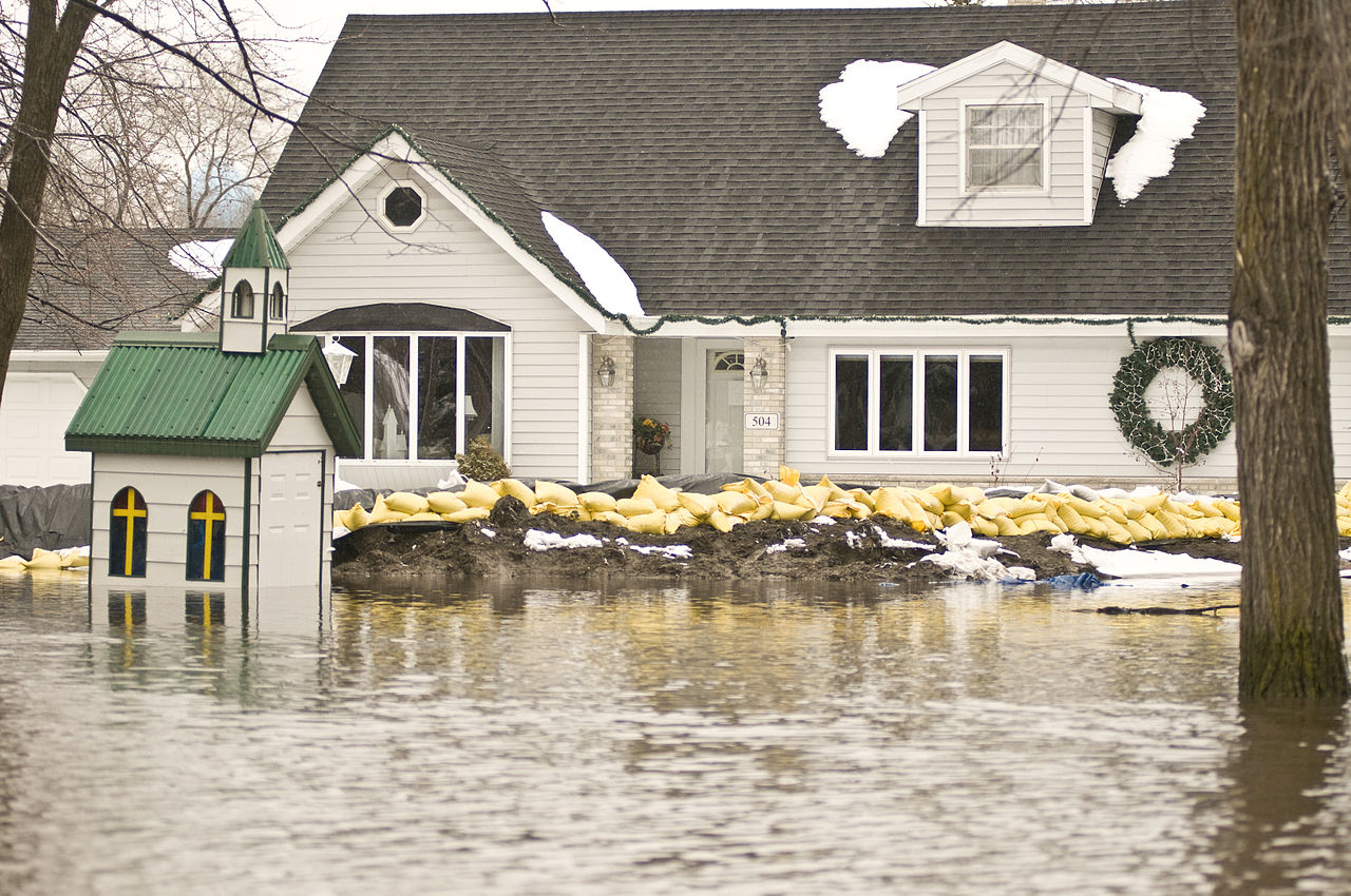 dealing-with-a-flooded-home