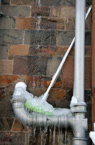 What-to-do-When-Finding-Burst-Pipes