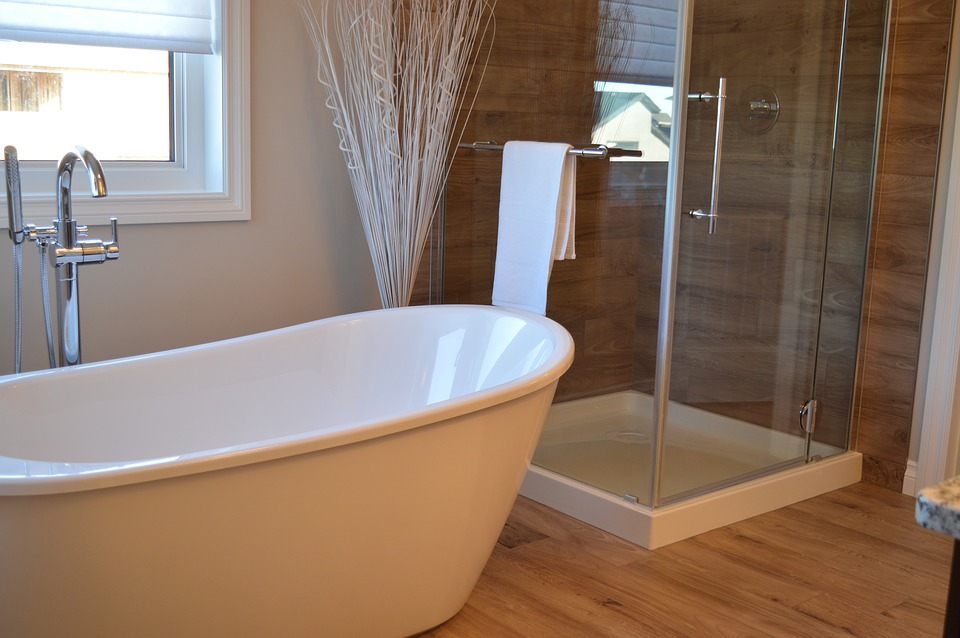 How to Maintain Refinished Bathtub and Countertop Surfaces