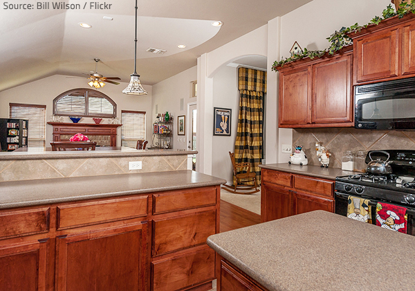The half-bullnose and full-bullnose edges are among the most popular granite countertop edges.