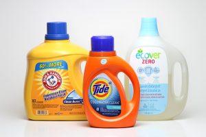Remove-Bathroom-Mold-Detergent