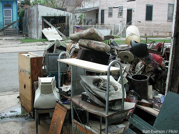 Professional hoarding cleanup services are trained and experienced to deal with all kinds of hoarding situations.